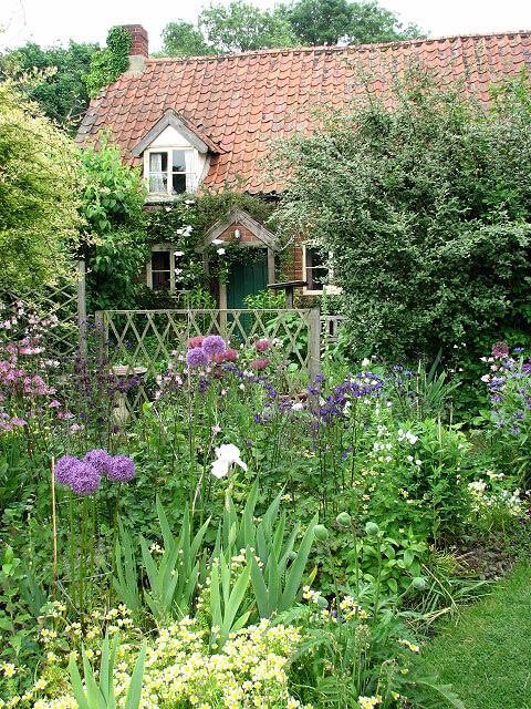 garden landscaping design cottage style